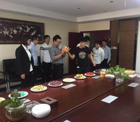 郑矿机器郑州办公区9月同事生日会